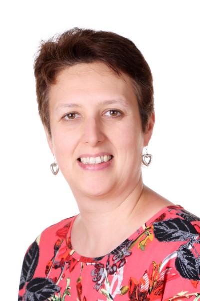 Karen Hill : Admin Assistant